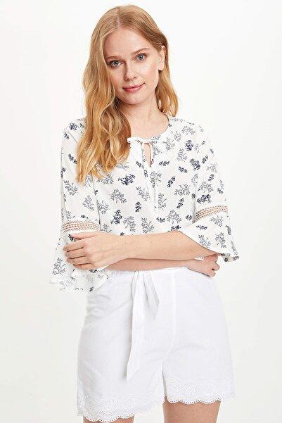 Kadın Beyaz Volanlı Desenli Bluz L6495AZ.20SM.WT43