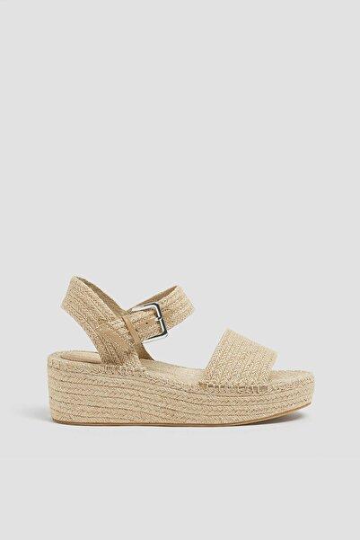 Pull & Bear Kadın Doğal Basic Natürel Jüt Dolgu Topuk Sandalet 11401640