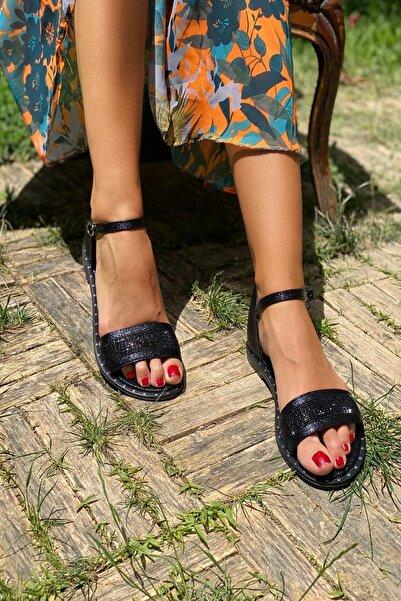 İnan Ayakkabı Siyah Kadın Sandalet INA321NLT