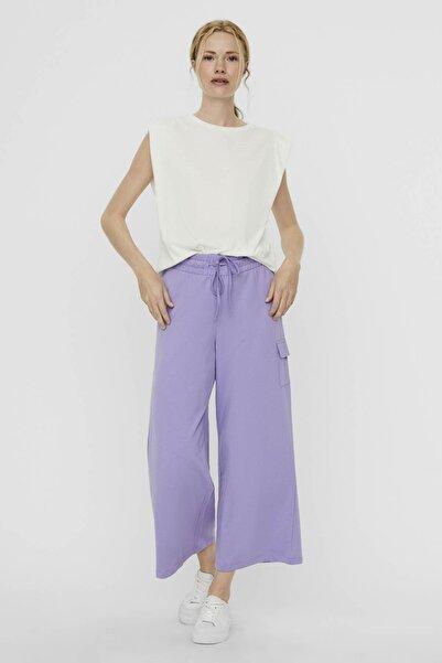 Vero Moda Kadın Beyaz Vatkalı Pamuklu T-Shirt 10237808 VMEVELYN