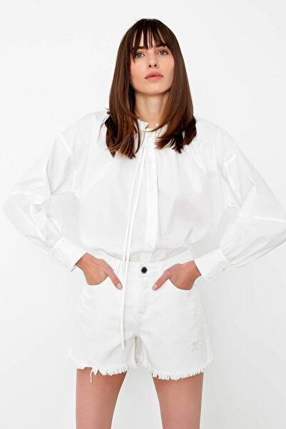 Kadın Beyaz Gomlek IS1200025262002