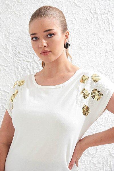 Big Free Kadın Beyaz Omuz Pul Payet Detaylı Kısa Kol Bluz Tb20Yb452145