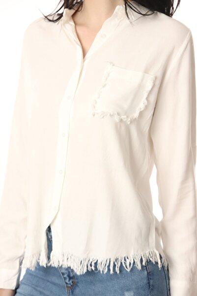 Kadın Beyaz Püskül Detalı Gömlek
