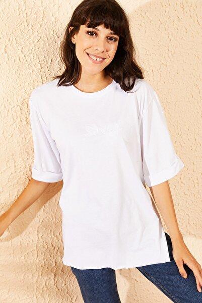 Bianco Lucci Kadın Beyaz Sorry Baskılı Kol Katlamalı Yan Yırtmaçlı T-Shirt 10091051