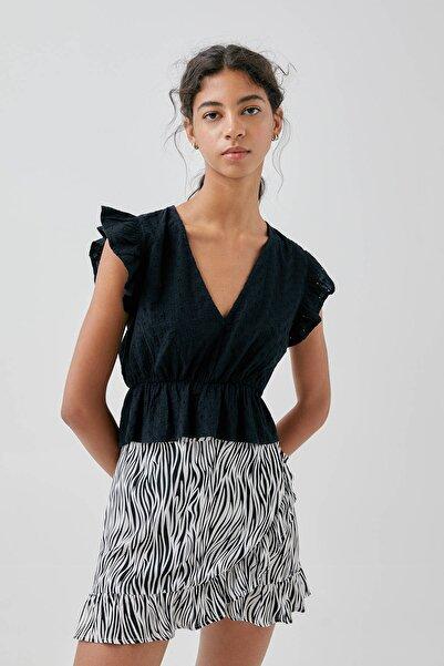 Kadın Siyah Isviçre Stili Işlemeli Kruvaze Yaka Top 09244347