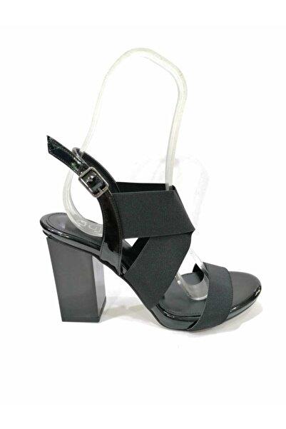 Guja Kadın Siyah Kare Ökçeli Lastikli Topuklu Ayakkabı