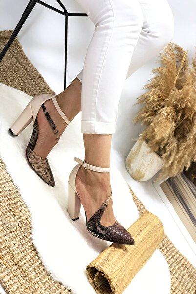 Leyla Yıldız Kahve Yılan Çapraz Topuklu Ayakkabı