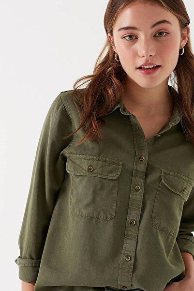 Kadın Cepli Yeşil Gömlek
