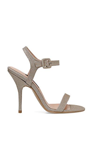 Nine West Kadın Altın  Tally3 Topuklu Sandalet