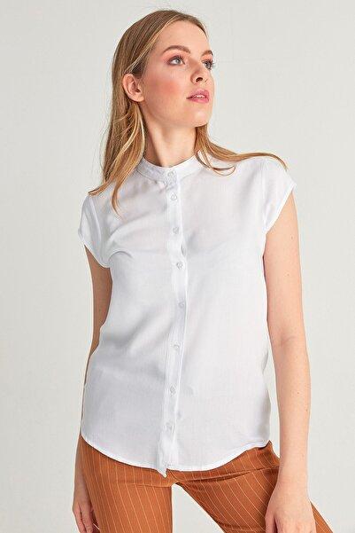 Fulla Moda Kadın Hakim Yaka Beyaz Gömlek