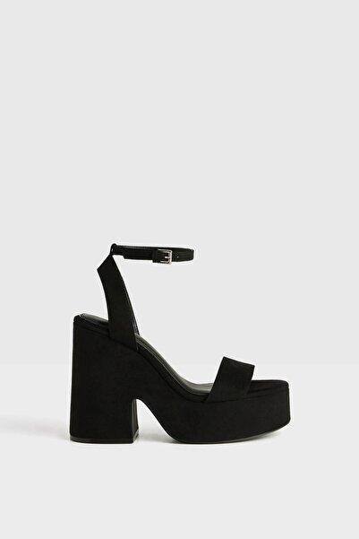 Bershka Kadın Siyah Platform Topuklu Sandalet