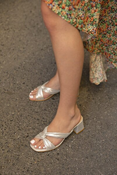 STRASWANS Kadın Victoria Topuklu Sim Detay Gümüş Terlik