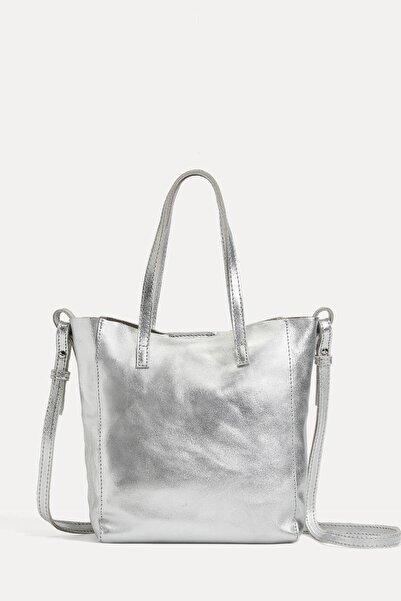 Oysho Kadın Gümüş Rengi Metalik Mini Shopper Çanta