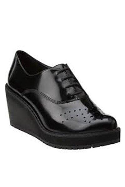 CLARKS Kadın Siyah Game Oval Dolgu Topuk Ayakkabı