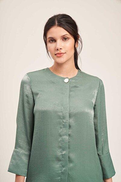 Mizalle Süs Düğmeli Bluz (Yeşil)