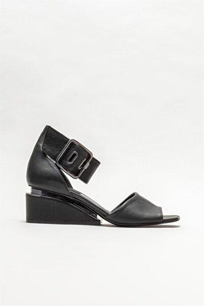 Elle Shoes Kadın  Siyah Deri Dolgu Topuklu Sandalet