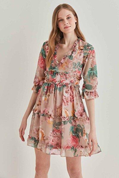 Vitrin Kadın Bej Çiçek Desenli Fırfır Detaylı Elbise