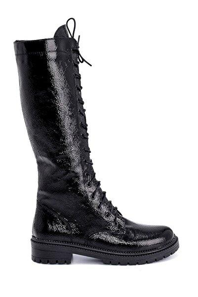 Derimod Kadın Siyah Kırışık Rugan Bağcıklı Çizme