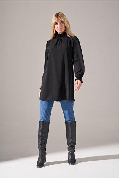 Mizalle Yaka Kol Büzgülü Bluz (Siyah)