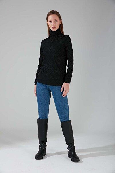 Mizalle Büzgü Yakalı Desenli Bluz (Siyah)