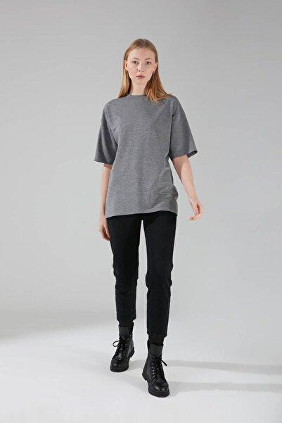 Mizalle Kadın Gri İki İplik Kısa Kollu T-Shirt