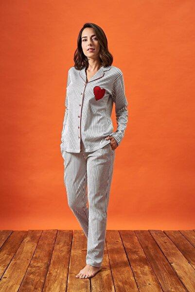 PJS Kadın Düğmeli Çizgili Kalp Nakışlı Pijama Takım 21800
