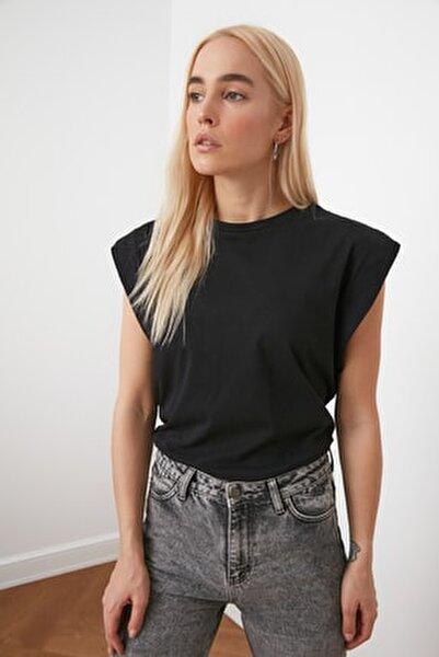 Siyah Kolsuz Basic Örme T-Shirt TWOSS20TS0021