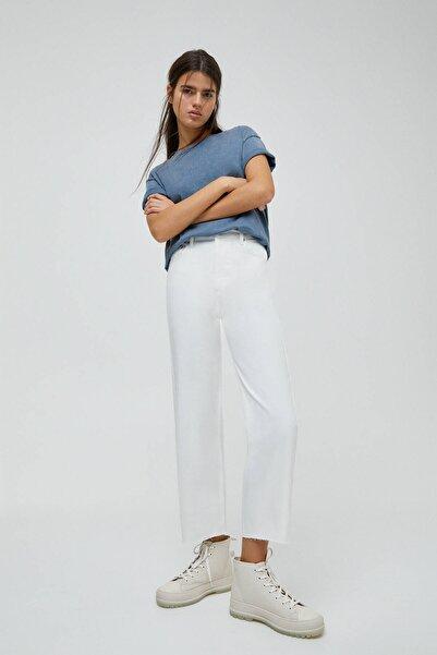Pull & Bear Kadın Beyaz Crop Paça Straight Fit Jean 04676330