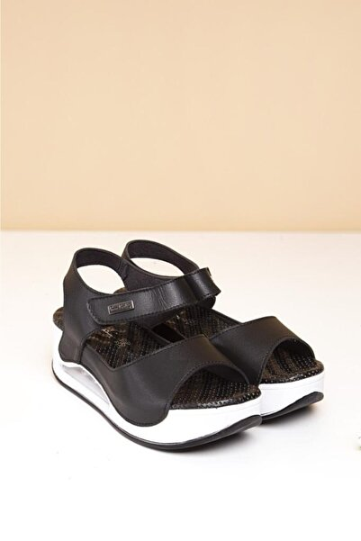 Pierre Cardin Havalı Masaj Taban Topuklu Sandalet