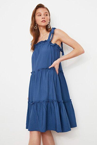 TRENDYOLMİLLA Indigo Askılı Fırfırlı Elbise TWOSS21EL1597