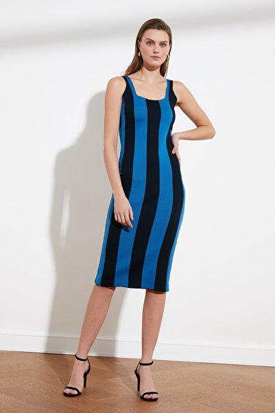 TRENDYOLMİLLA Mavi Çizgili Triko Elbise TWOSS20EL1758
