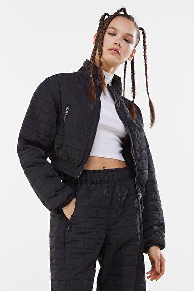 Bershka Kadın Siyah Crop Fit Kapitone Ceket