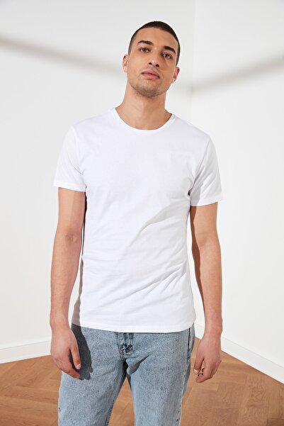 TRENDYOL MAN Beyaz Erkek Basic Pamuklu Kısa Kollu Bisiklet Yaka  Slim Fit T-Shirt - TMNSS19BO0001