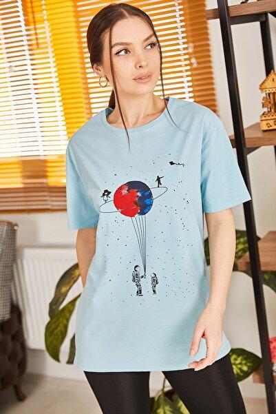 armonika Kadın Mavi Satürn Baskılı T-Shirt ARM-20Y012007