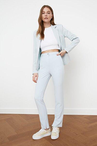 TRENDYOLMİLLA Mavi Yırtmaç Detaylı Pantolon TWOSS21PL0085