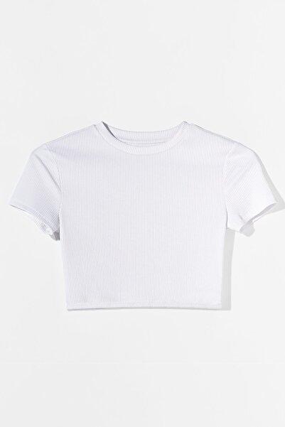 Bershka Kadın Biyeli Crop Fit T-shirt
