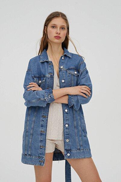 Pull & Bear Kadın Mavi Uzun Kemerli Denim Ceket 05713360
