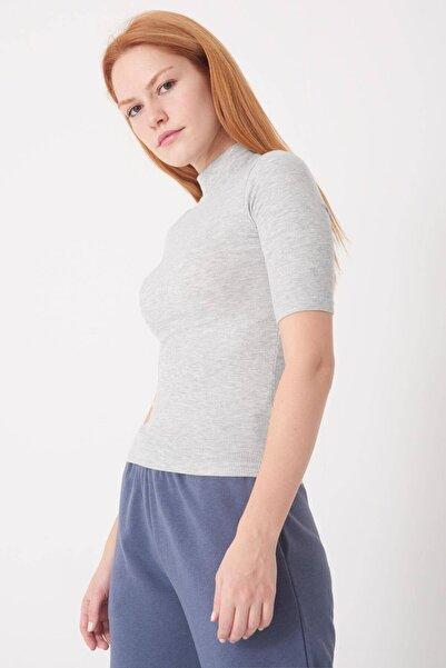 Addax Kadın Gri Melanj Dik Yaka Kısa Kollu Bluz P1051 - S6 ADX-0000022877