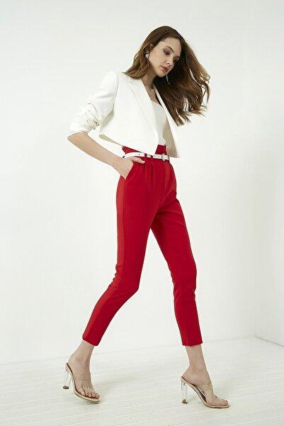 Vis a Vis Kadın Kırmızı Yüksek Bel Pileli Kemerli Pantolon