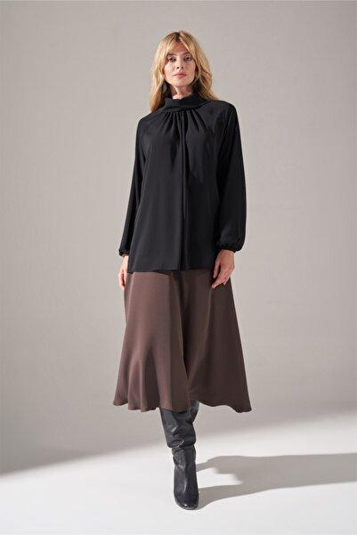 Mizalle Yakası Büzgülü Krep Bluz (Siyah)
