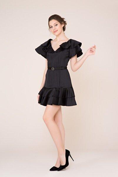 GIZIA CASUAL Fırfır Ve Kemer Detaylı Siyah Mini Elbise