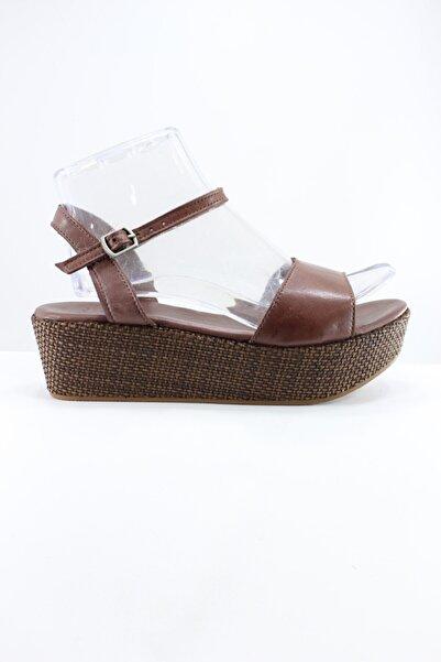 İnci Kadın Kahverengi Sandalet
