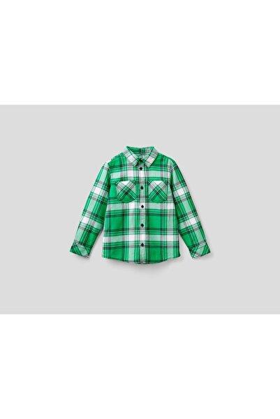 United Colors of Benetton Erkek Yeşil Arkası Logolu Ekose Gömlek