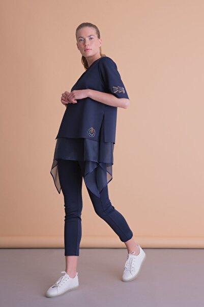 xGIZIA Asimetrik Kesim Işlemeli Lacivert Tül Detaylı Bluz