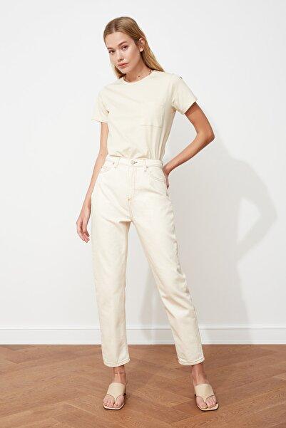 TRENDYOLMİLLA Ekru Yüksek Bel Mom Jeans TWOSS20JE0200