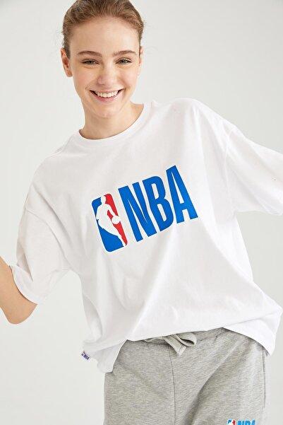 DeFacto Kadın NBA Lisanslı Oversize Tişört T5506AZ21SP