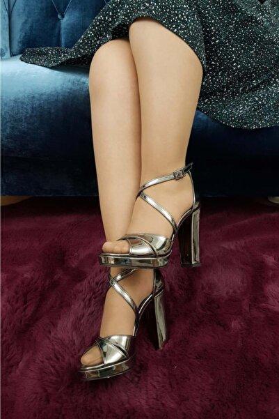 TREND Kadın Platin Topuklu Ayakkabı
