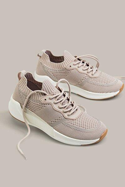 Oysho Kadın Pembe Şeffaf Parçalı Bağcıklı Spor Ayakkabı