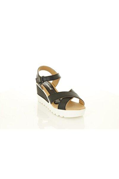 Polaris Siyah Renk Dolgu Topuk Cırtcırt Tokalı Ayakkabı