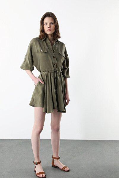 Network Kadın Regular Fit Haki İngiliz Yaka Volanlı Mini Elbise 1078943